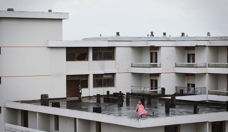 scena del film effetto domino